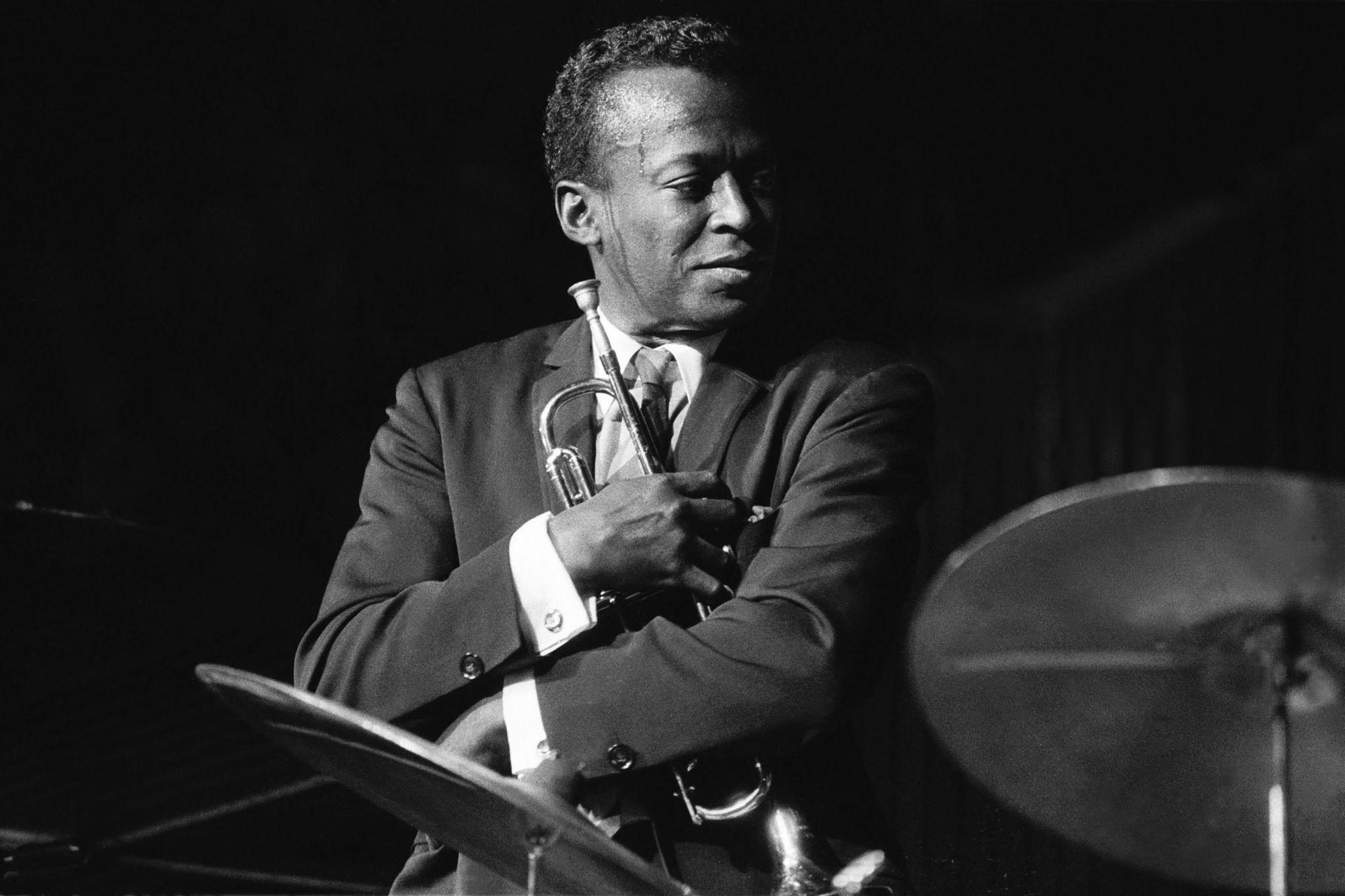 #listeningto A Kind of Blue: Miles Davis