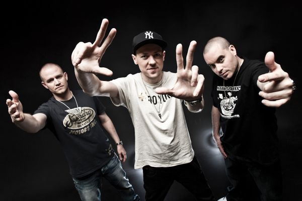Listening to State of the Art by Hilltop Hoods